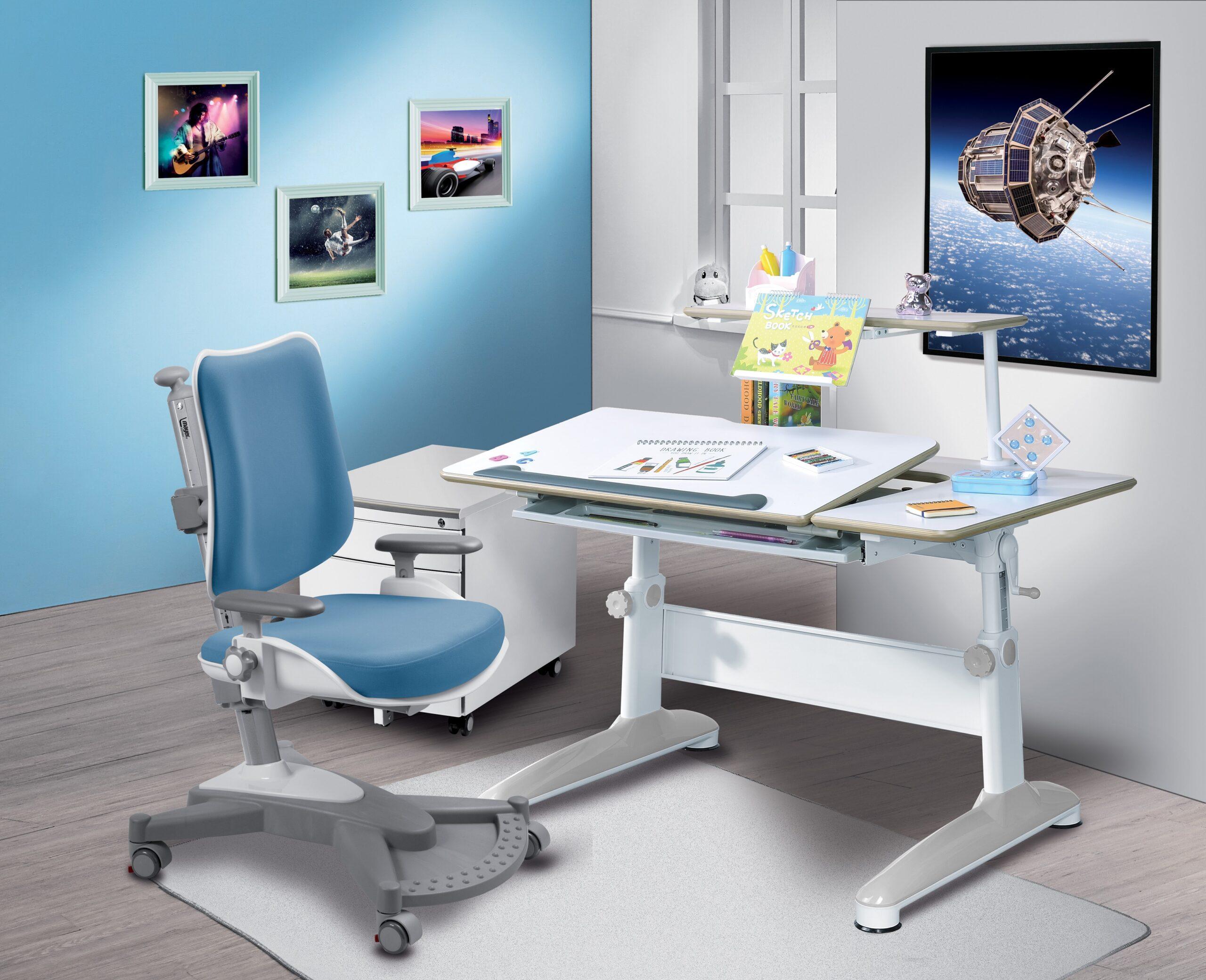 Biurko regulowane dla dzieci i fotel dla dzieci Mayer MyChampExpert blue